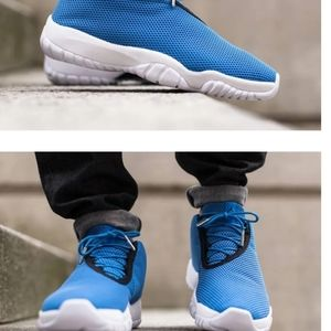 Jordans Future low photo blue